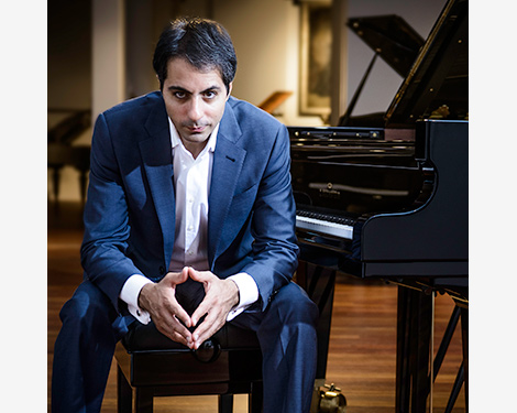 Saleem Ashkar piano